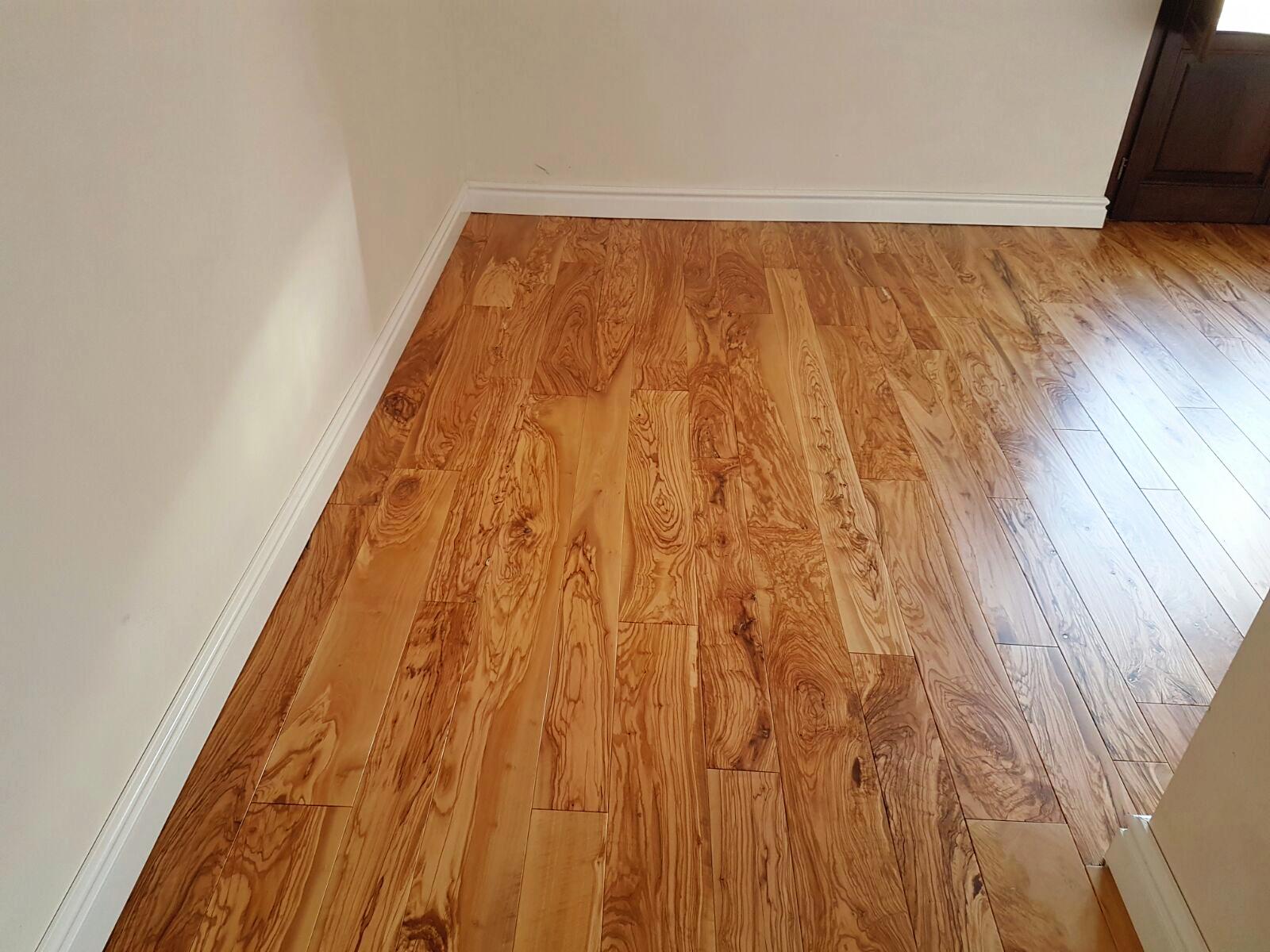 Colocar suelo de madera latest cmo instalar un piso - Colocar suelo laminado ...